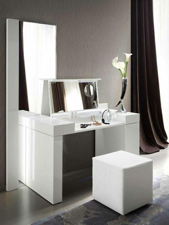une jolie coiffeuse avec miroir de luxe coiffeuse ikea pas cher pour la chambre - Chambre A Coucher Ikea