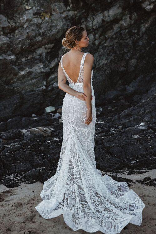 Stunning Wedding Dresses Romantic Rustic Wedding Photos Wedding Photography Romantic Wedd In 2020 Wedding Dress Guide Wedding Dresses Brisbane Lace Beach Wedding Dress