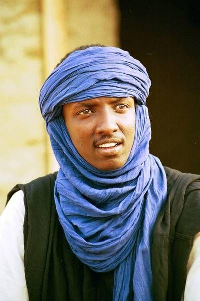 Função Proteção: Tuareg com vestimentas do deserto