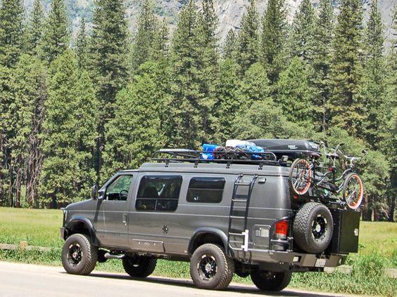 Brilliant 2013 Ford F550 XVLT 4x4 Offroad Truck Camper Wallpaper  2000x1333