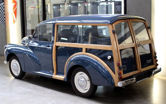"Morris Minor 1000 Traveller ""Woody"" - Sin A Car"