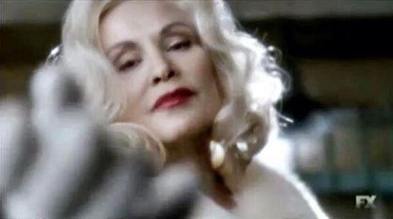 Elsa Mars white angel <3
