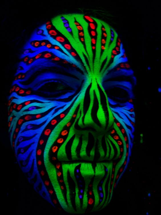 uv blacklight face paint ef makeup pinterest malen. Black Bedroom Furniture Sets. Home Design Ideas