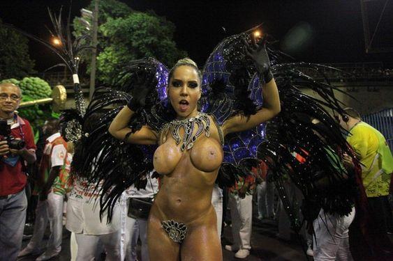 Mulher Melão na Sapucaí (Foto: Fernando Cazaes / AgNews)