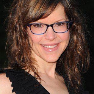 Óticas Vitória: Saiba como escolher os modelos certos de óculos pa...