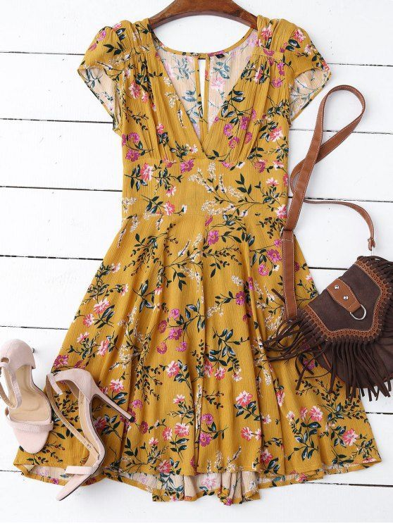 $19.99 Floral Plunging Neck Cut Out Dress - YELLOW M: