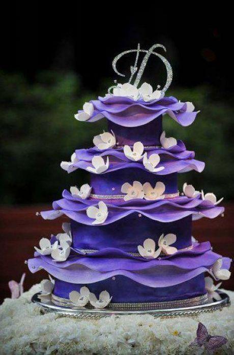 Purple wedding cake #wedding