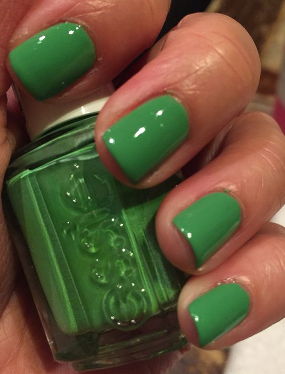 Essie_mojito_madness!! (muted green, awes0me f0rmuLa,, inLove!!)