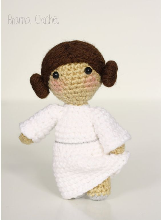 Free Amigurumi Snowman Crochet Patterns : Princess Leia - Star Wars Amigurumi doll Princesa leia ...
