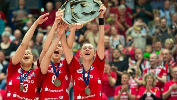 Für die Dresdnerinnen ist es der dritte Meistertitel in Serie -   #Magdeburg http://www.stuttgarter-zeitung.de/inhalt.vfb-stuttgart-ii-liveticker-aus-kiel.9ccf42e6-a5f8-4e9d-8d9d-4fdcb8bb3f63.html  and #Dresden http://www.faz.net/aktuell/sport/mehr-sport/volleyball-frauen-dresden-holt-sich-dritten-meistertitel-in-serie-14212377.html  NICER,no wonder won vs #Stuttgart,GoodHeartGoodLuck,BadHeartNoLuck,@VfB