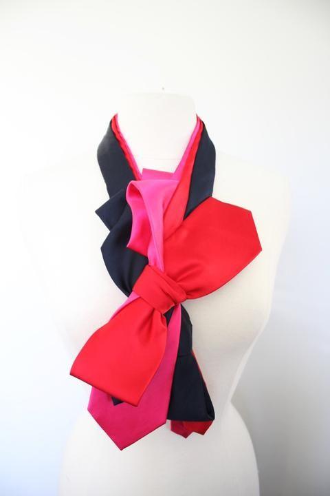 NavyPink Ruffle Ribbon Collar