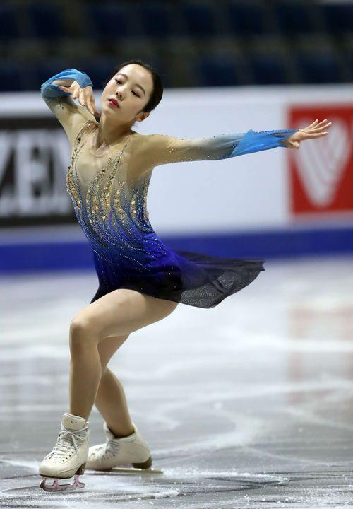 本田真凜のブルー