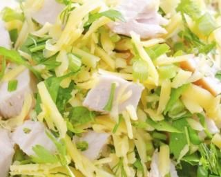 Spaghetti de konjac façon salade caesar : http://www.fourchette-et-bikini.fr/recettes/recettes-minceur/spaghetti-de-konjac-facon-salade-caesar.html