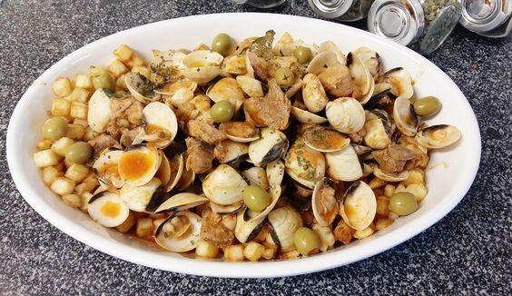 Ingredientes (4 pessoas) :    Batatas partidas em cubos  700gr Carne de porco cortada em cubos  1 ...
