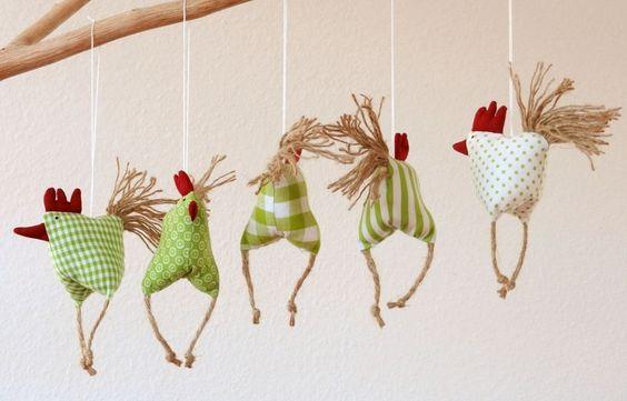 Deko-Objekte - 5 aufgeregte Hühnchen Huhn - ein Designerstück von uggla-deko bei DaWanda