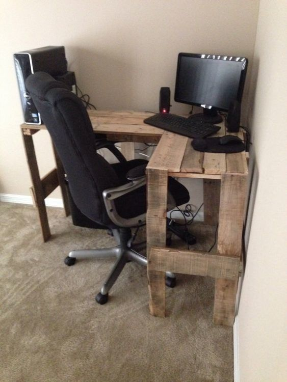 45 Diy Corner Desk Ideas With Simple And Efficient Design Concept Diy Corner Desk Wood Pallet Projects Pallet Diy