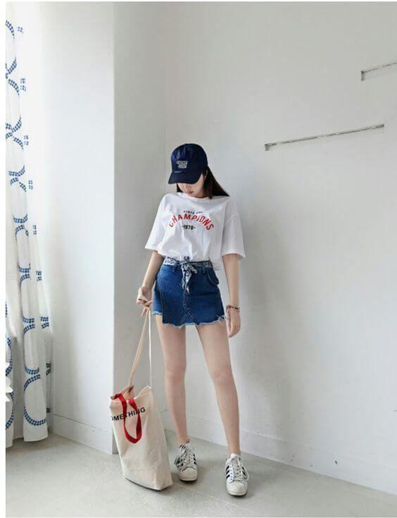 Mix áo thun cùng chân váy Jeans thôi mà xinh vậy đó