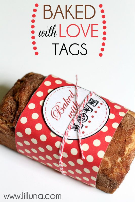Baked with Love Tags. Free download at { lilluna.com } CUTE!: Food Gifts, Christmas Gift Ideas, Christmas Bread Gifts, Valentines Printable, Cute Christmas Gifts, Bake Sale Ideas, Free Printable, Christmas Gift Tags, Christmas Printable