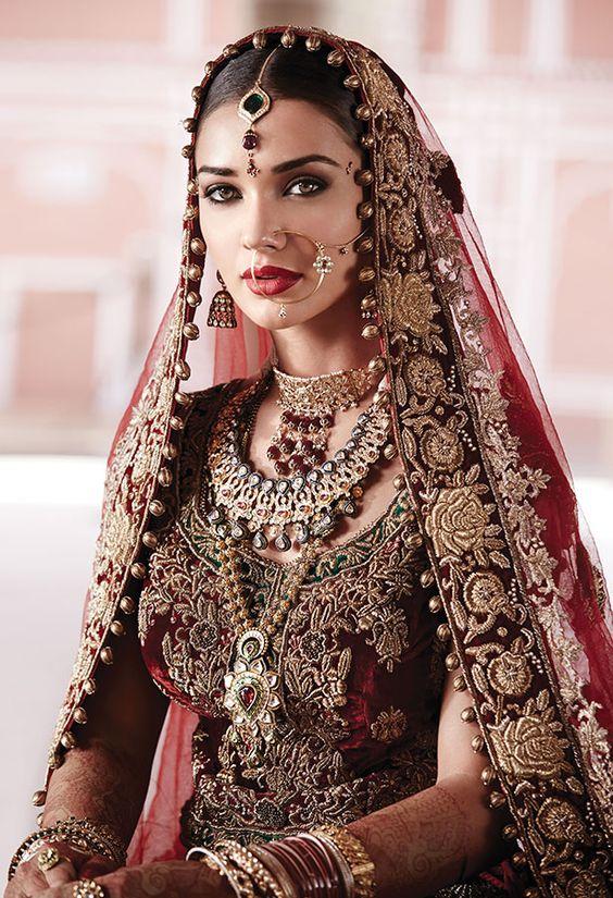 Tanishq Punjabi Bride Wedding Jewellery Collection(4)