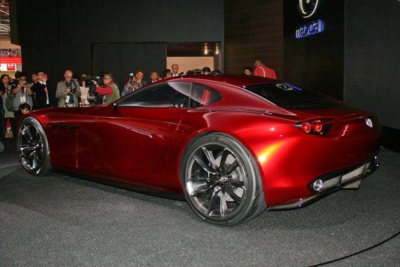 La pubblicazione sul web di alcuni disegni di brevetti conferma che la Mazda sta sviluppando un nuovo motore Wankel.