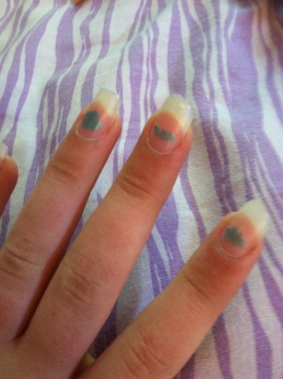 My nails are so long but the nail polish is chipped and in 5 days I'm going to Florida