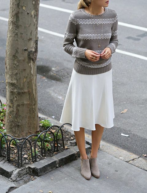 Skirt, Sweater and Ankles Boots Can Be an Office Staple