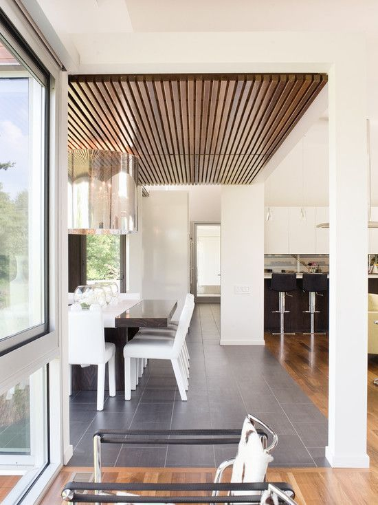 We Ve Seen Our Fair Portion Of Creative Ceiling Design Ideas There Are So Many Ways To Accen Ceiling Design Modern Wood Slat Ceiling False Ceiling Living Room #wooden #ceiling #living #room