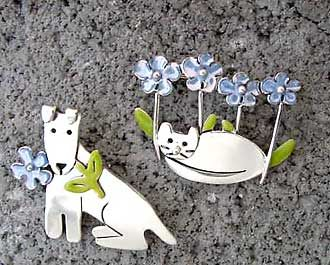 Forget-Me-Not Dog Pin