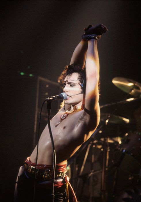 Adam Ant. Slightly larger photo than the one I posted earlier.  Oh yes,  I will take it.