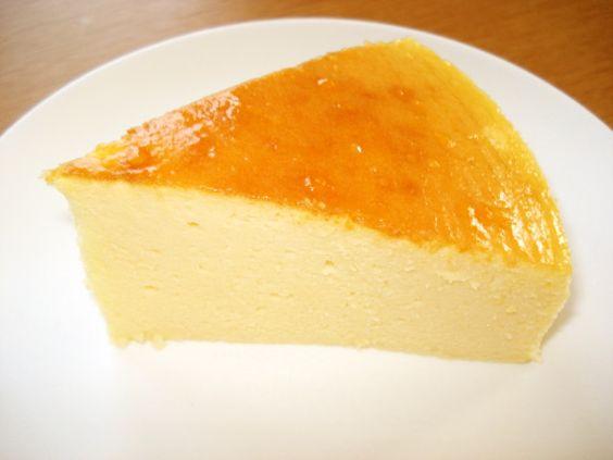 もう10年程作り続けている大好評レシピ♪スフレフロマージュというチーズケーキです。翌日になるとしっとりしてさらに美味♡