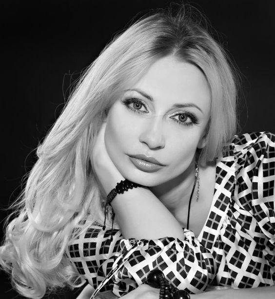 Russian women for marriage. More photography of beautiful women and girls to marry: http://www.photoswomens.com/