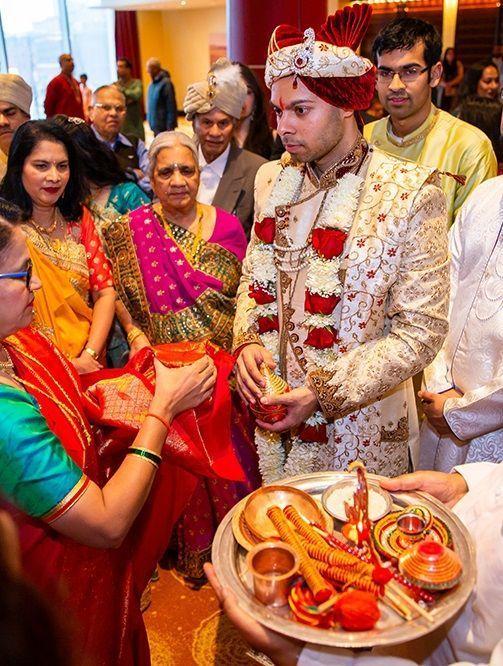 Baraat Welcome Ideas Groom In 2020 Romantic Wedding Inspiration Wedding Photos Poses Indian Wedding Photography