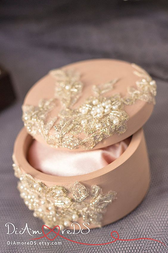 Caramel & lace box for rings from the collection от DiAmoreDS
