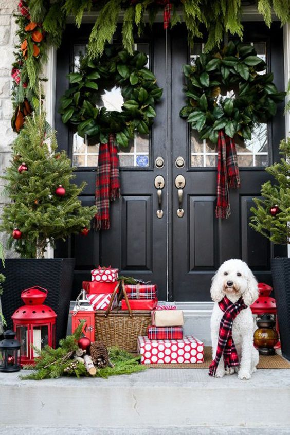 Gorgeous outdoor decorating with tartan, via @sarahsarna.: