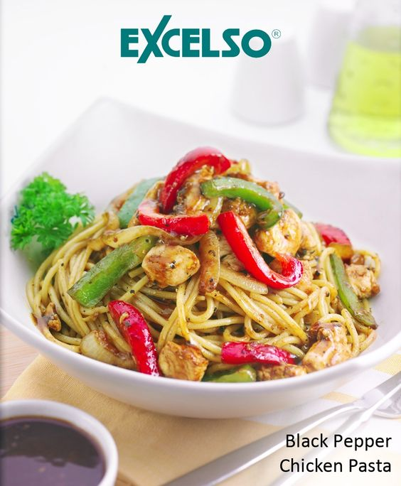 Let's try Black Pepper Chicken Pasta for lunch at Excelso Coffee