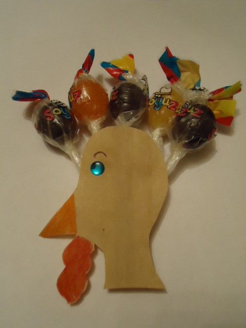 Turkey With Suckers For Feathers Craft