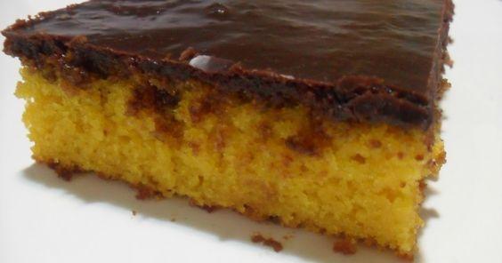 Bolo de cenoura com cobertura de chocolate durinha    Receitinha especial pra minha irmã Mari!!  Olha que linda que ficou a cobertura, do ...