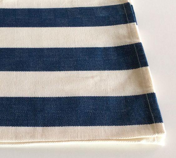 Canovaccio in cotone spina di pesce bianco latte, righe blu