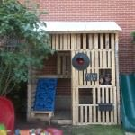 Kids Pallet Playhouse With Climbing Wall • 1001 Pallets