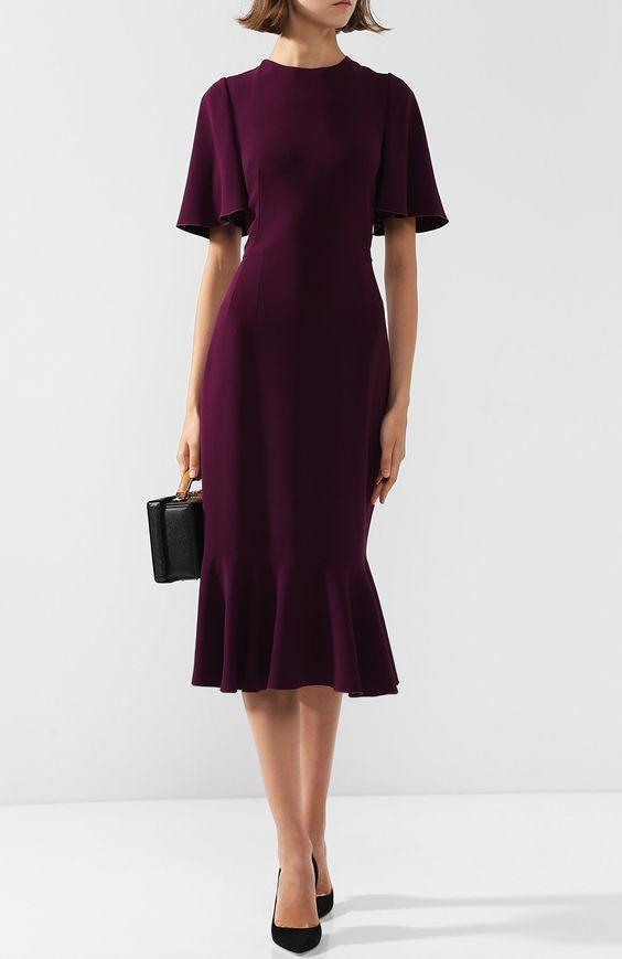 Приталенное платье-миди с круглым вырезом и оборками | Фото №2