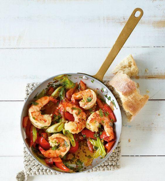 Rezept für Garnelenpfanne bei Essen und Trinken. Ein Rezept für 2 Personen. Und weitere Rezepte in den Kategorien Gemüse, Gewürze, Kräuter, Meeresfrüchte, Schalen- und Krustentiere, Vorspeise, Hauptspeise, Braten, Einfach, Schnell.