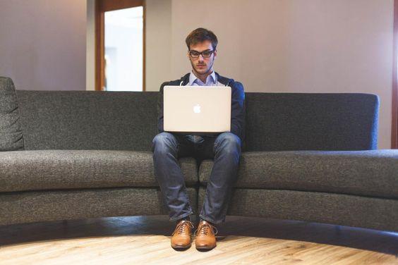 Wie du auf der Arbeit total beschäftigt wirkst