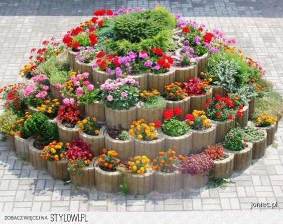 Magiczne ogrody, ciekawe aranżacje. Zobacz propozycje dotyczące projektowania ogrodów.