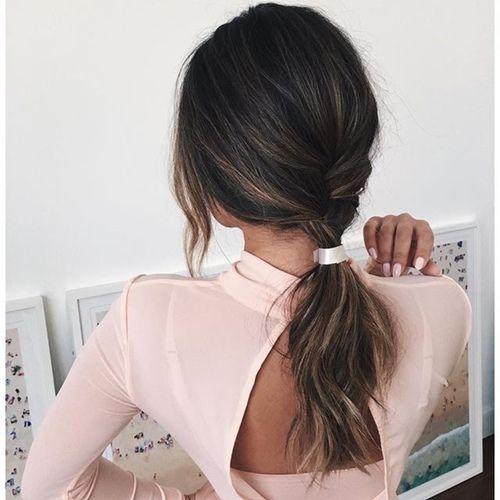 x @killerflowers x queue de cheval, coiffure cheveux longs: