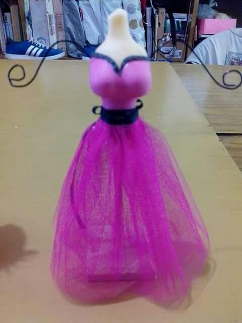 Idea para souvenir 15 a os vestido porta joyas porcelana for Como vestir sillas para 15 anos