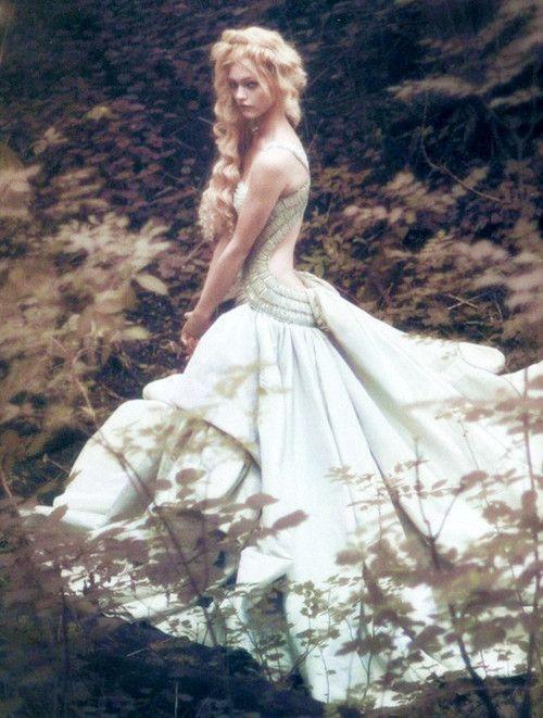 Fairytale fashion fantasy / karen cox.  ♔ Sasha Pivovarova for Vogue Italia September 2007