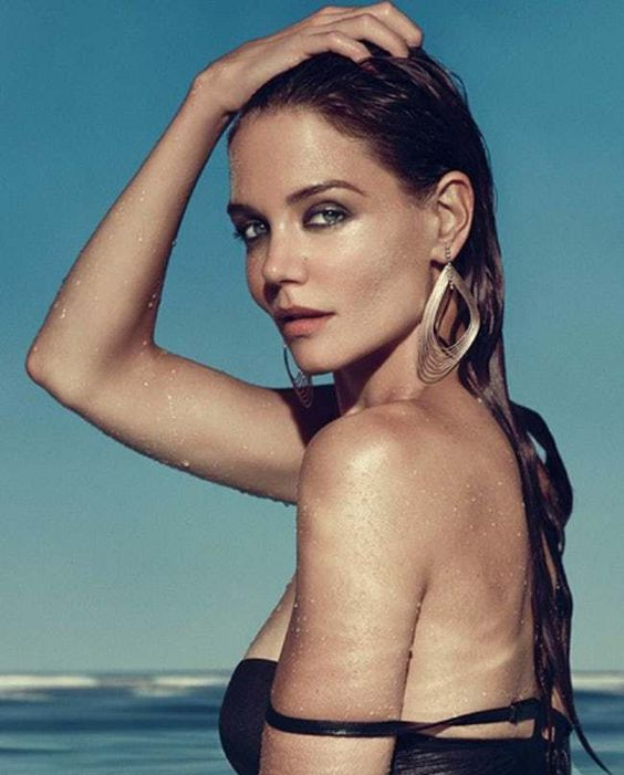 Kate Holmes Covering Her Hair is listed (or ranked) 13 on the list The 25 Hottest Katie Holmes Photos