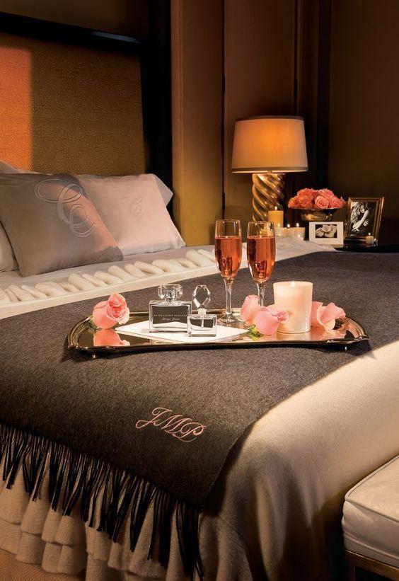 Pin De Marcely Da Rocha En Haute Hotel Habitación Romántica Noche De Bodas Decoracion Romantica