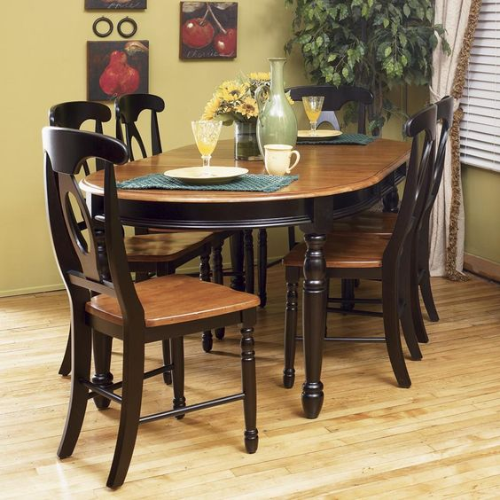 Oval Kitchen Table And Chairs: Oval Two-toned Kitchen Table: British Isles Oval Leg Table
