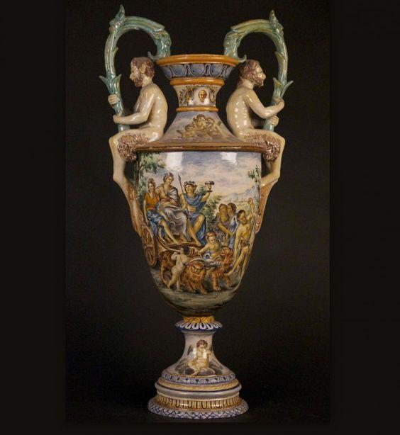 Vase italien faience maill e polychrome style renaissance for Vase antique romain